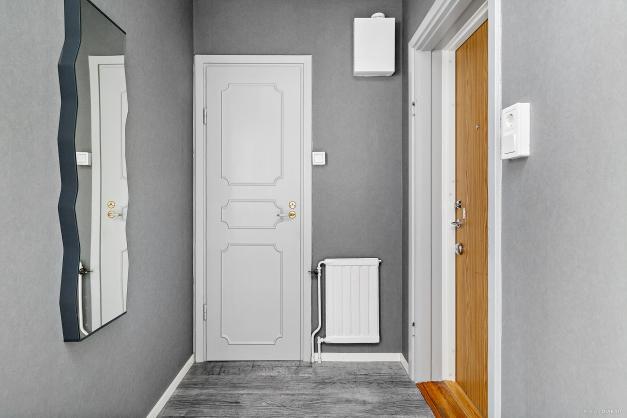 Hall med badrum