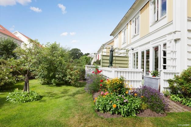 Härlig trädgård och altan i västerläge!