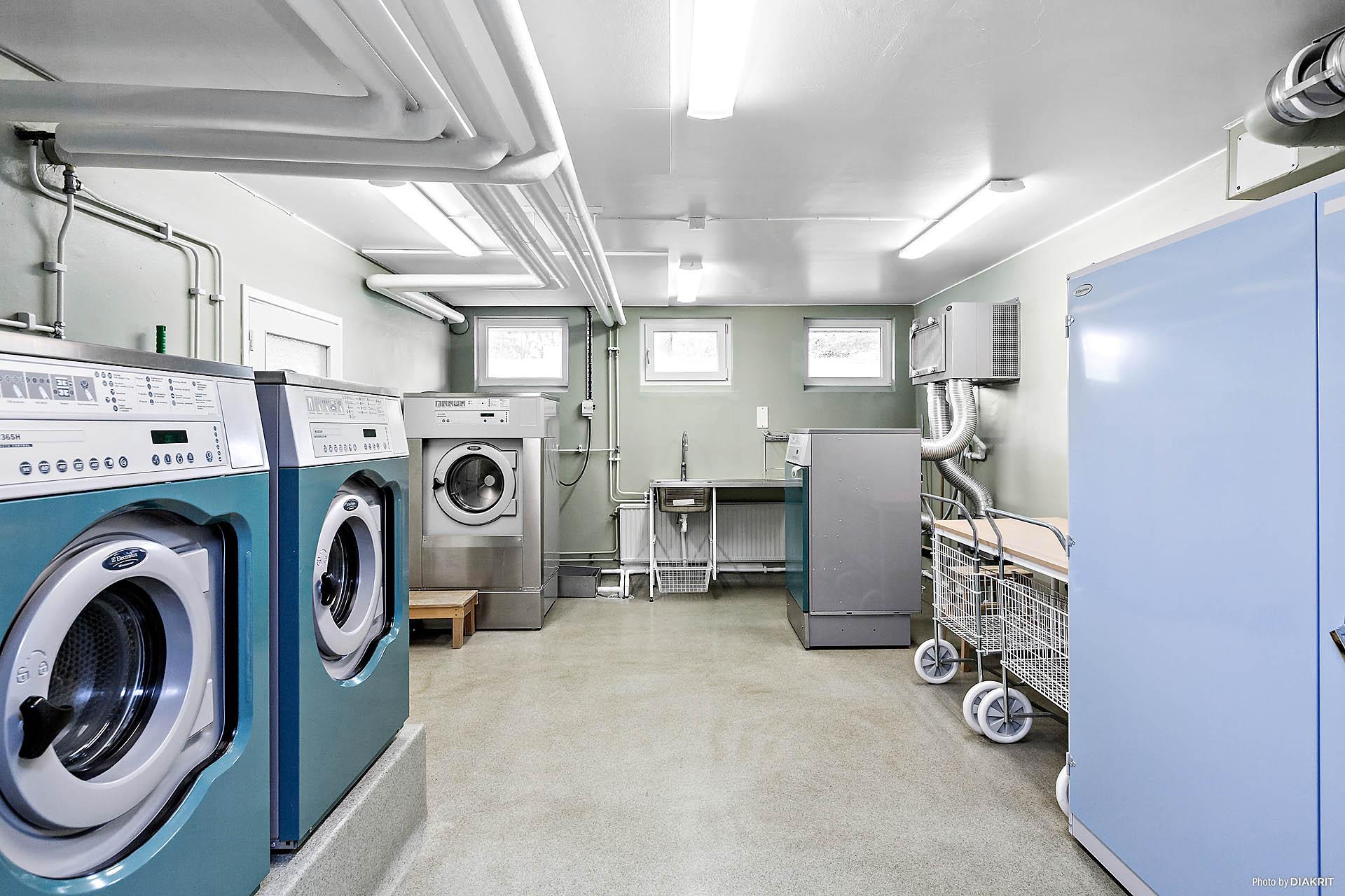 Gemensam tvättstuga i källaren