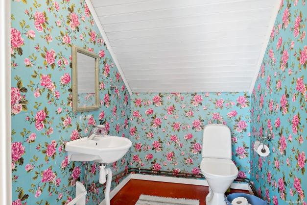 Toaletten på ovanvåningen