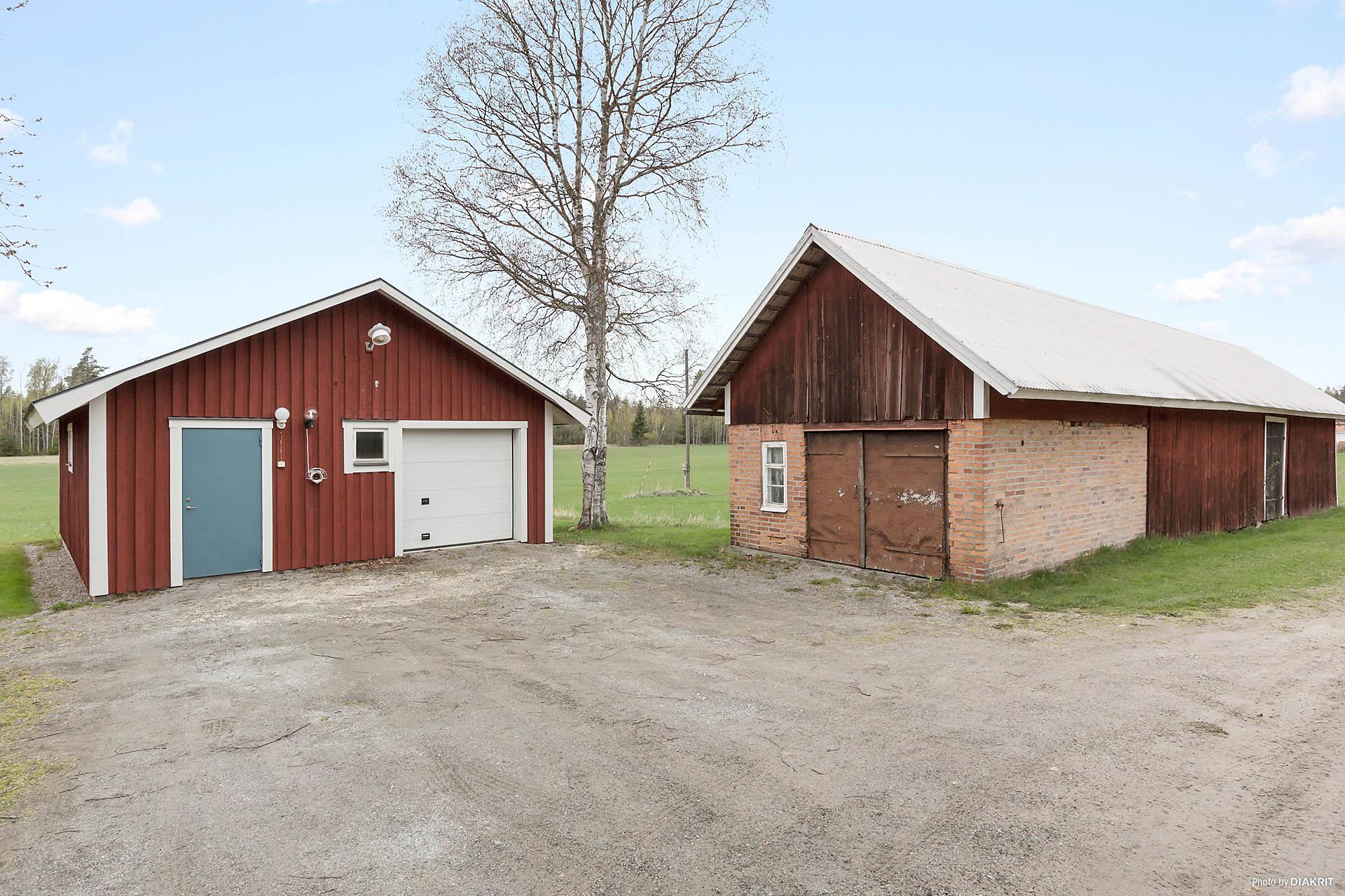 Garage och ladugård