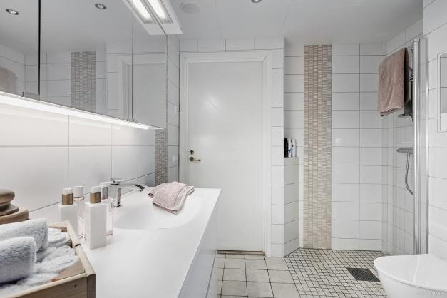 Generöst badrum