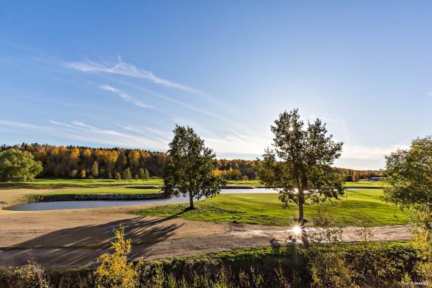 Fantastisk utsikt mot golfbanan
