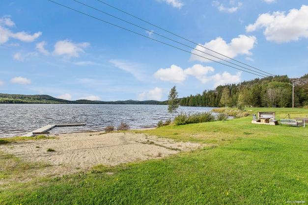 Fint område med närhet till bad, fiske och vacker natur.