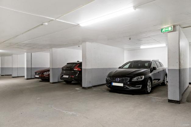Garaget där det ingår en parkeringsplats till vissa lägenheter.