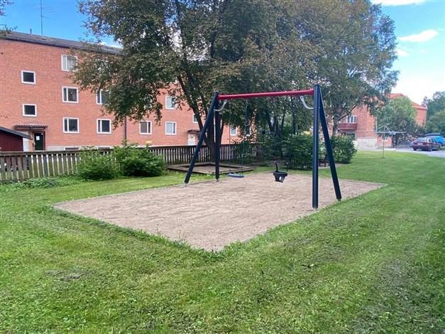 Lekplats på gården