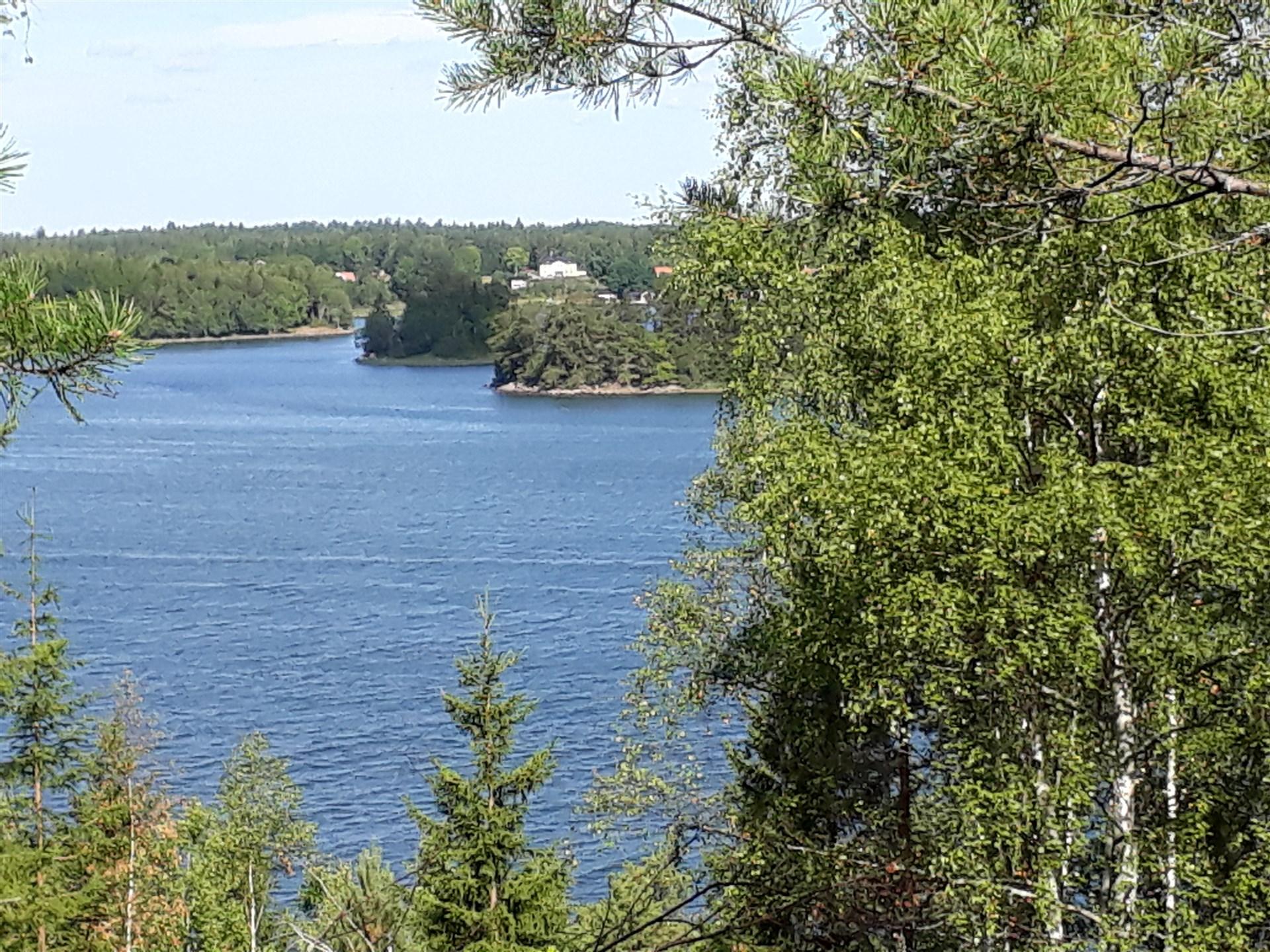 Utsikt över Norrtäljeviken och Vätö från tomten