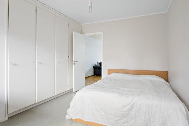 Sovrum 1 med 4 st garderober