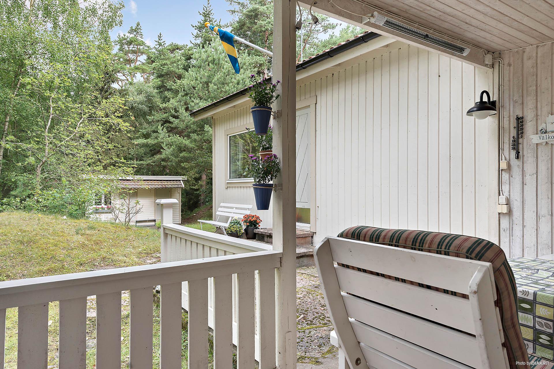 Taket möjliggör nyttjande under svenska sommarens skiftande väder.