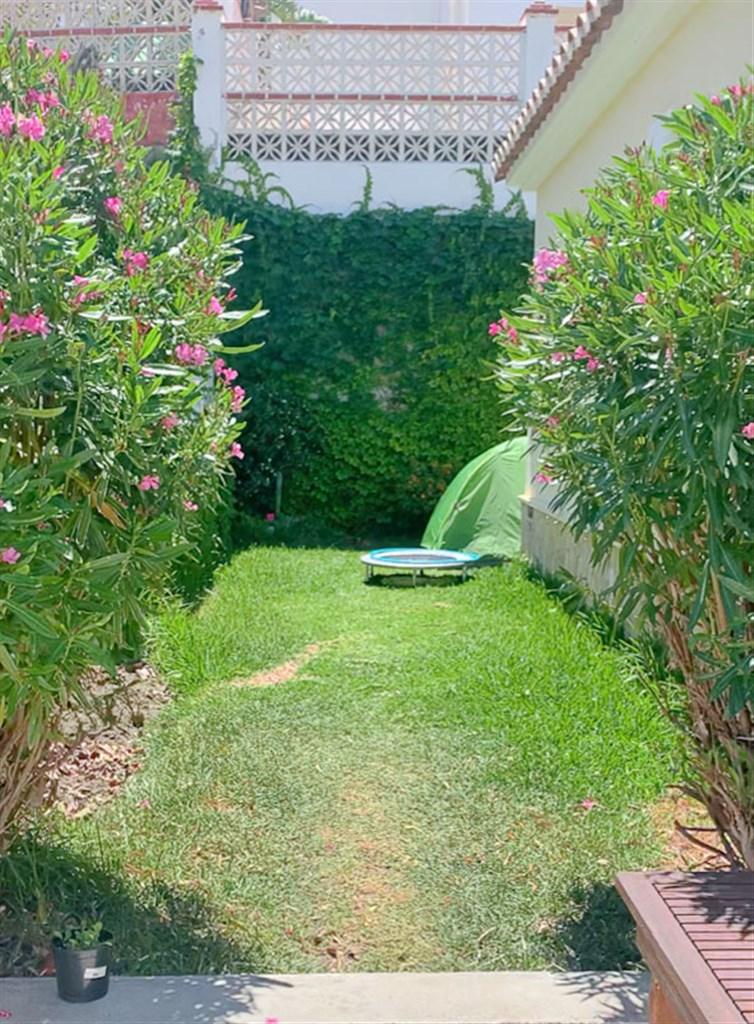 Lättskött trädgård