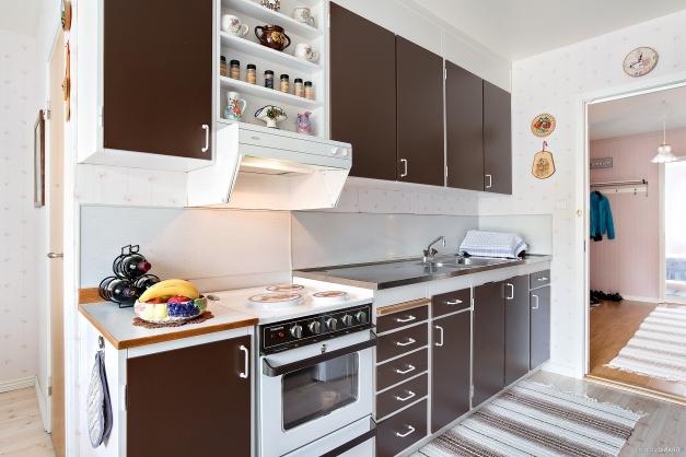 Kök med gott om skåp
