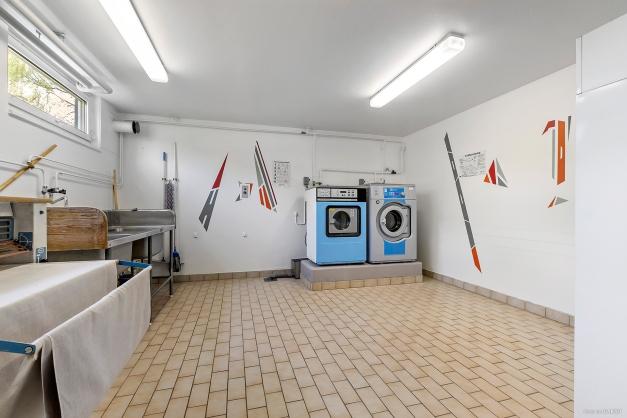 Föreningens tvättstuga (port mittemot)