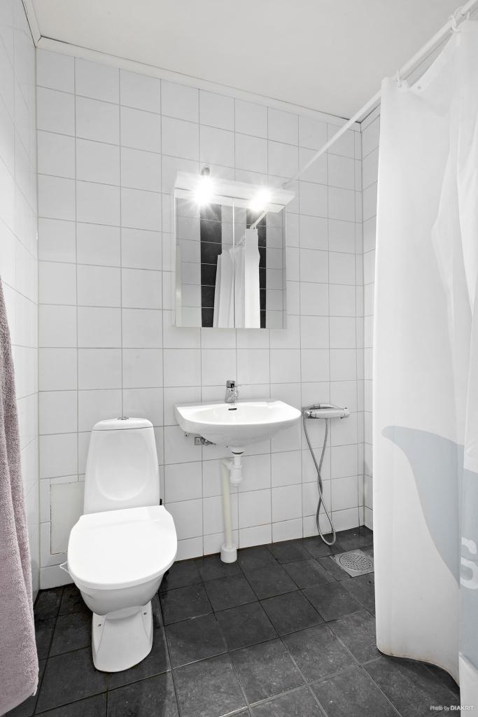 Helkaklad toalett/dusch
