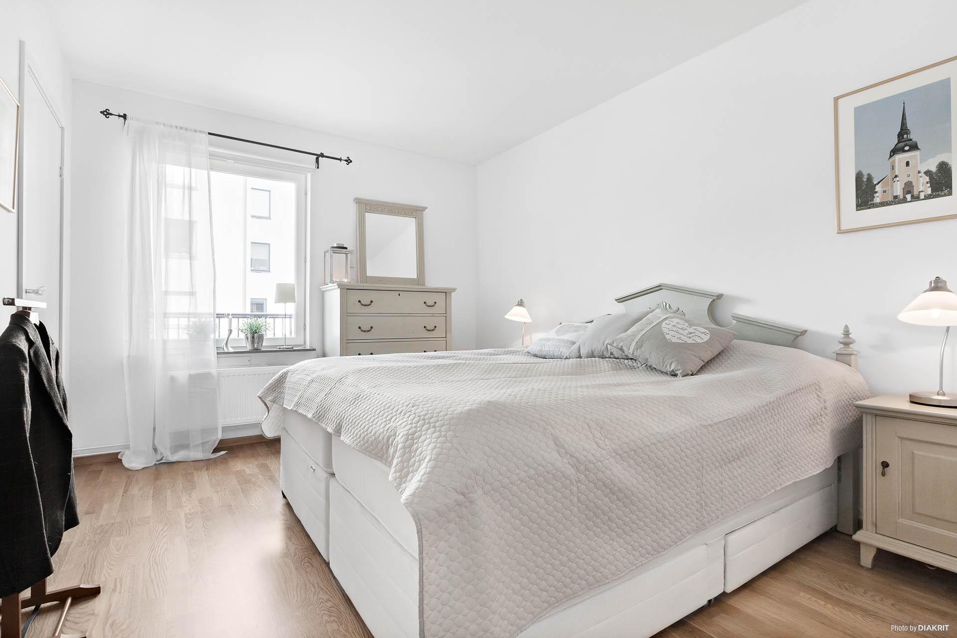 Master bedroom/Sovrum 2