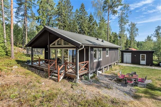 Fräsch minivilla i sjönära miljö