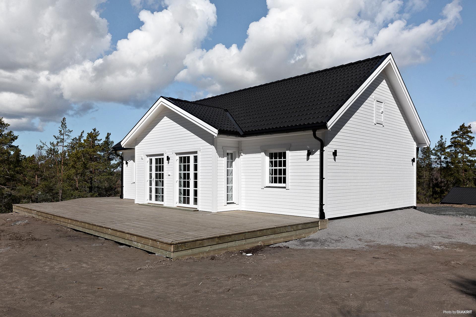 Nybyggd villa med toppläge