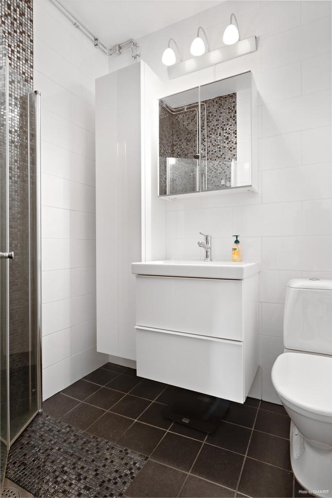 Renoverat helkaklad toalett/dusch