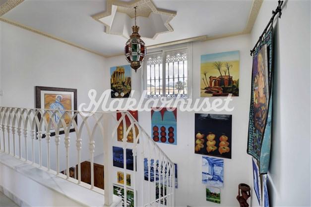 Trappa med högt i tak och charmiga detaljer