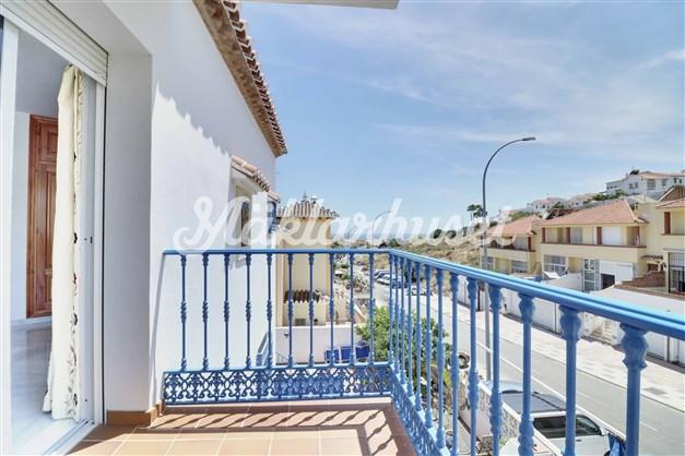 Terrass från master bedroom med havsutsikt