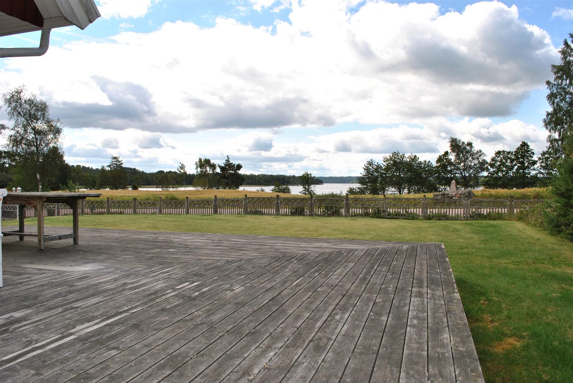 Utsikt över sjön från de flesta rum i huset