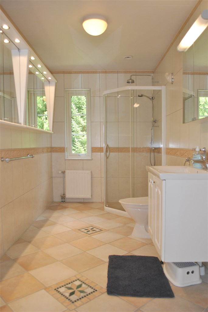 Wc/dusch bottenvåning
