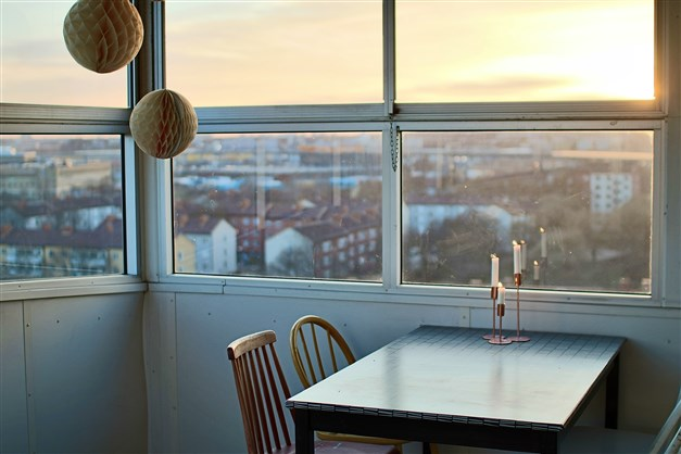 En av föreningens terrasser på taket. Så nära och så lätt att nyttja ofta till kalas, middagar med stora sällskap...