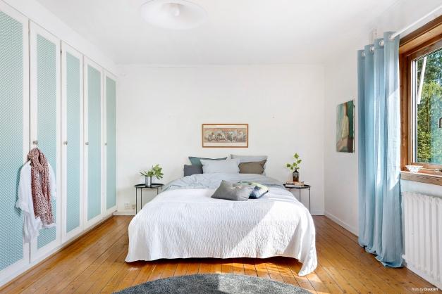 Sovrum 2 Master bedroom