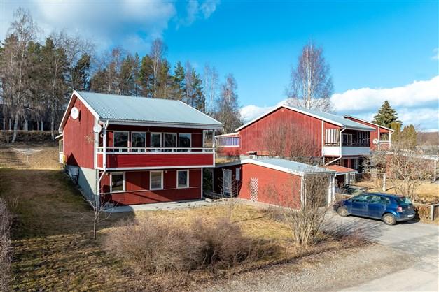 Välkomna till denna villa på Bondevägen 5 i Delsbo!