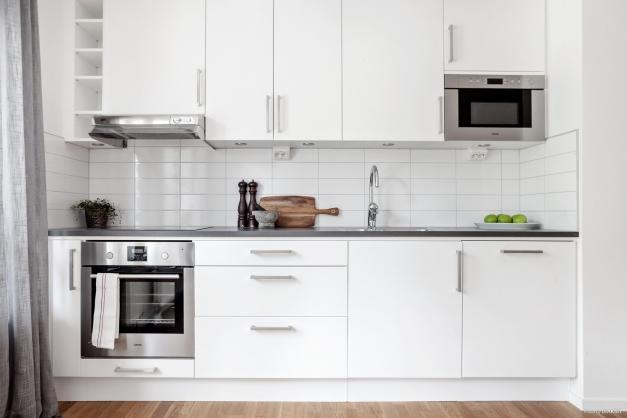 Modernt kök med smarta lösningar & bra arbetsytor