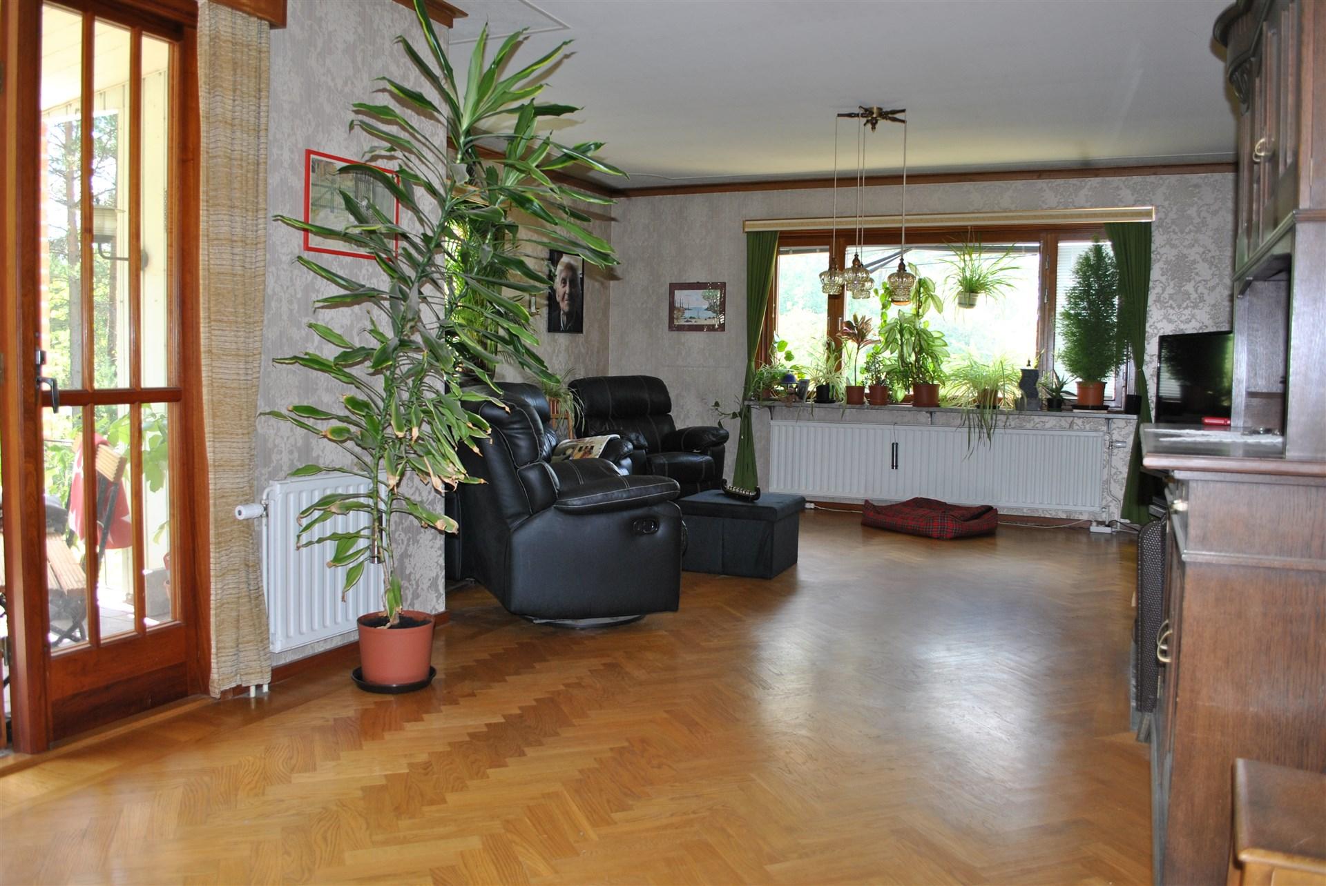 Vardagsrum med stavparkett