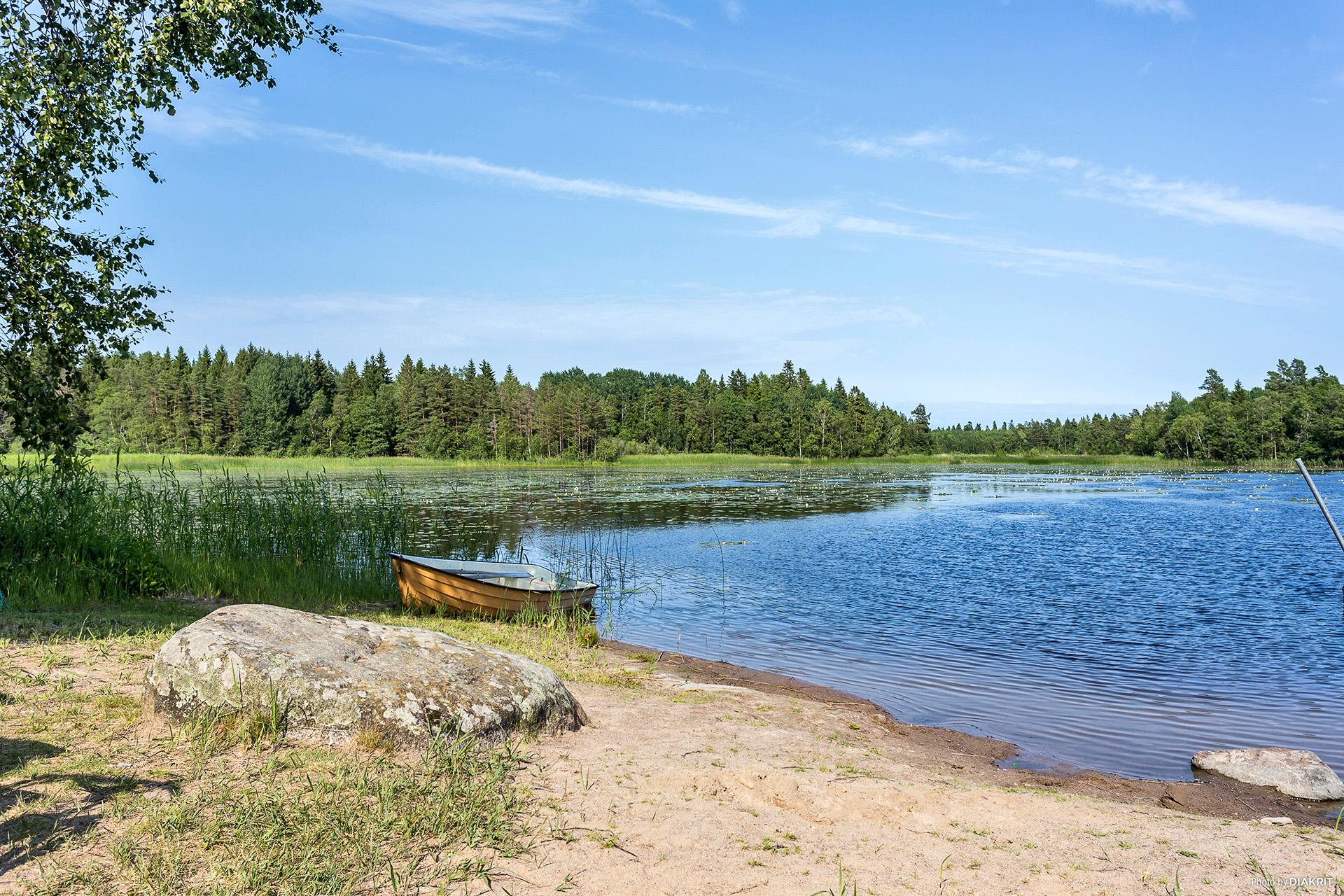 Badplatsen vid Grytsjön, 200m från tomten