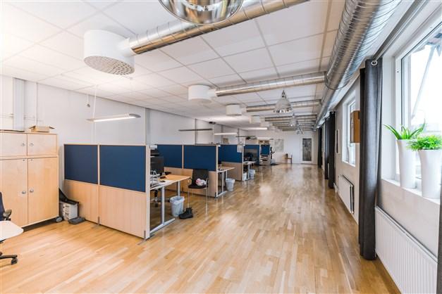Kontorsplatser bottenplan.