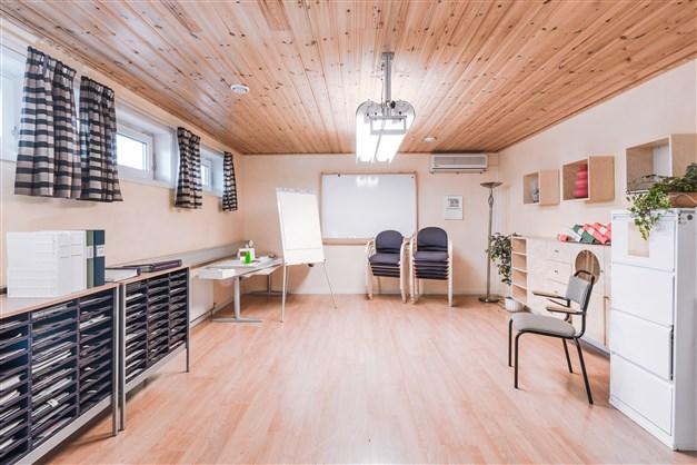 Kontors- sammanträdesrum 2:a plan.