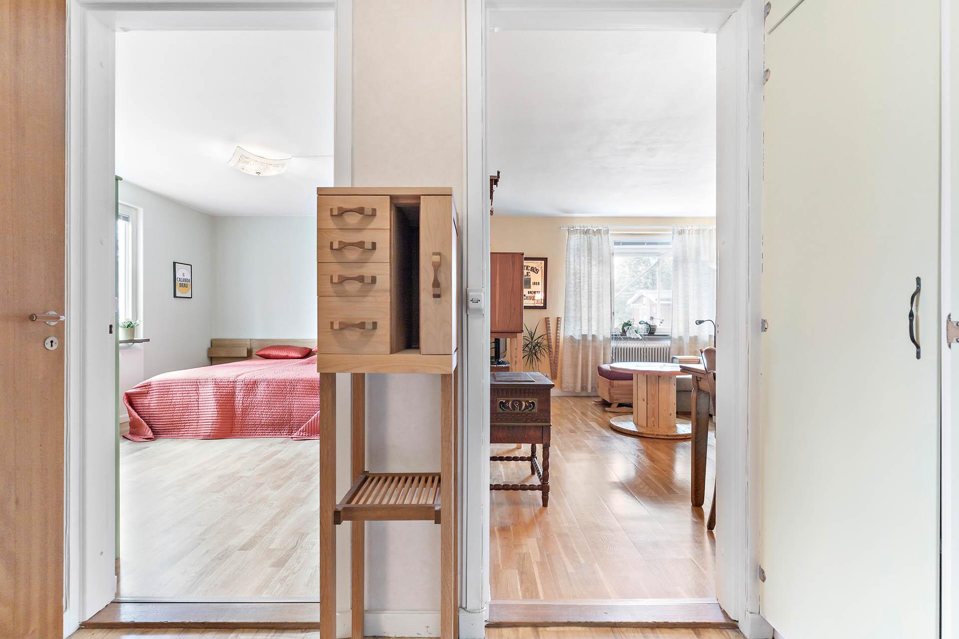 Sovrum och vardagsrum
