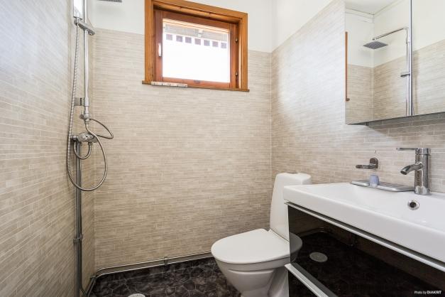 Badrum i gårdshuset