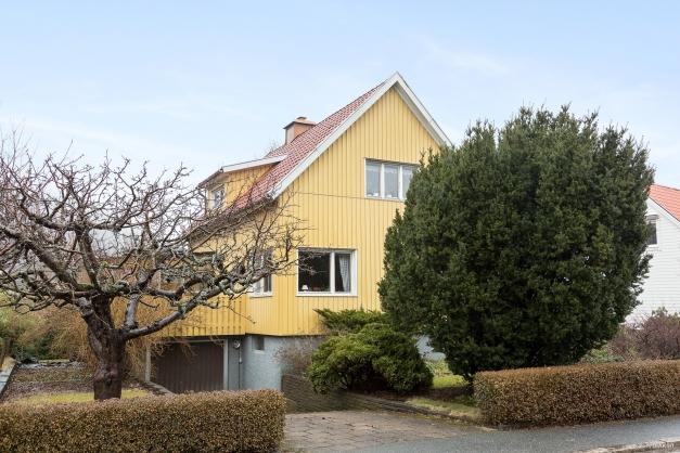 Trevlig villa med trädgårdstomt