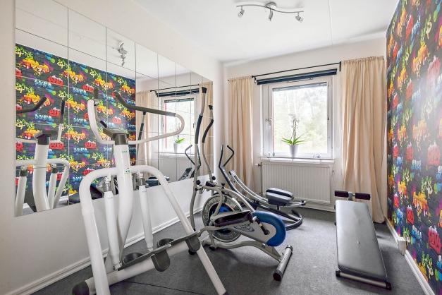 Sovrum - eller som idag gym?