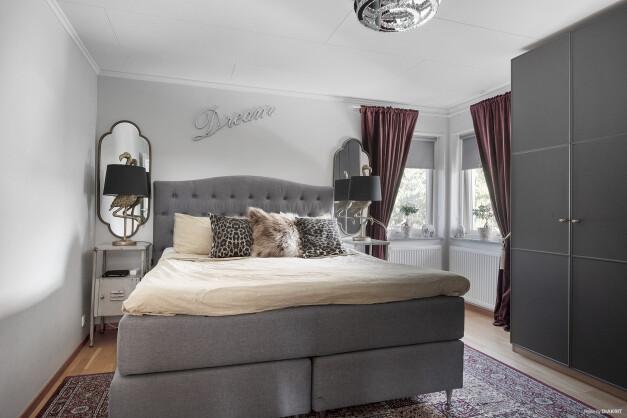 Tre sovrum