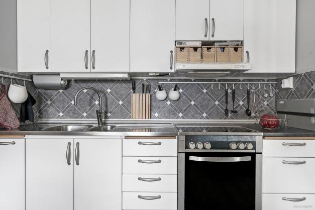 Ljust kök med inredning från Ballingslöv.