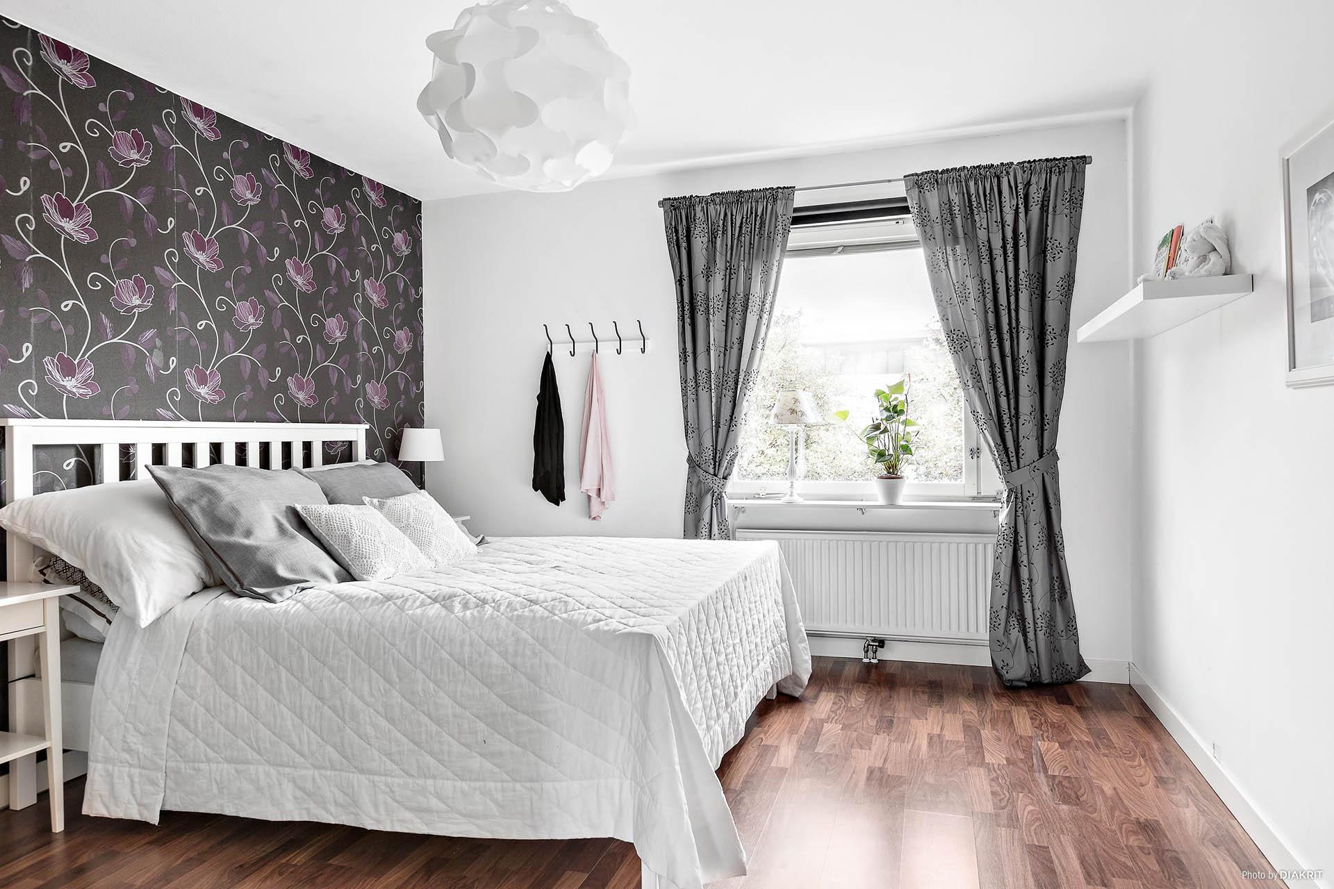 Sovrum - vy från vardagsrum