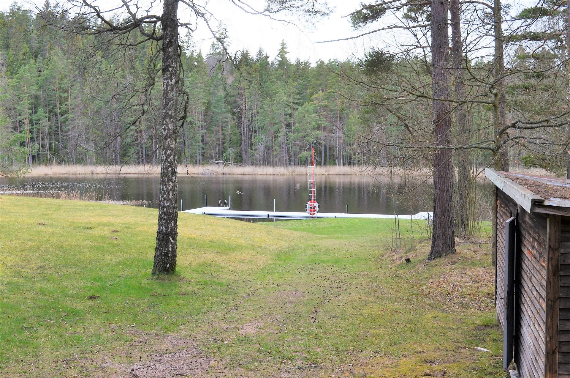 Närhet till badplatsen Otterstorpasjön