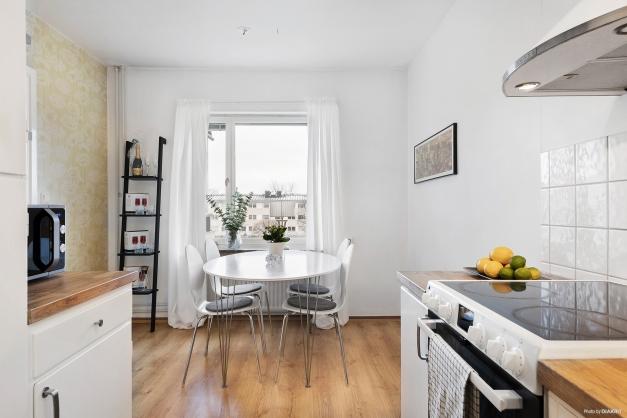 Kök med utrymme för matplats