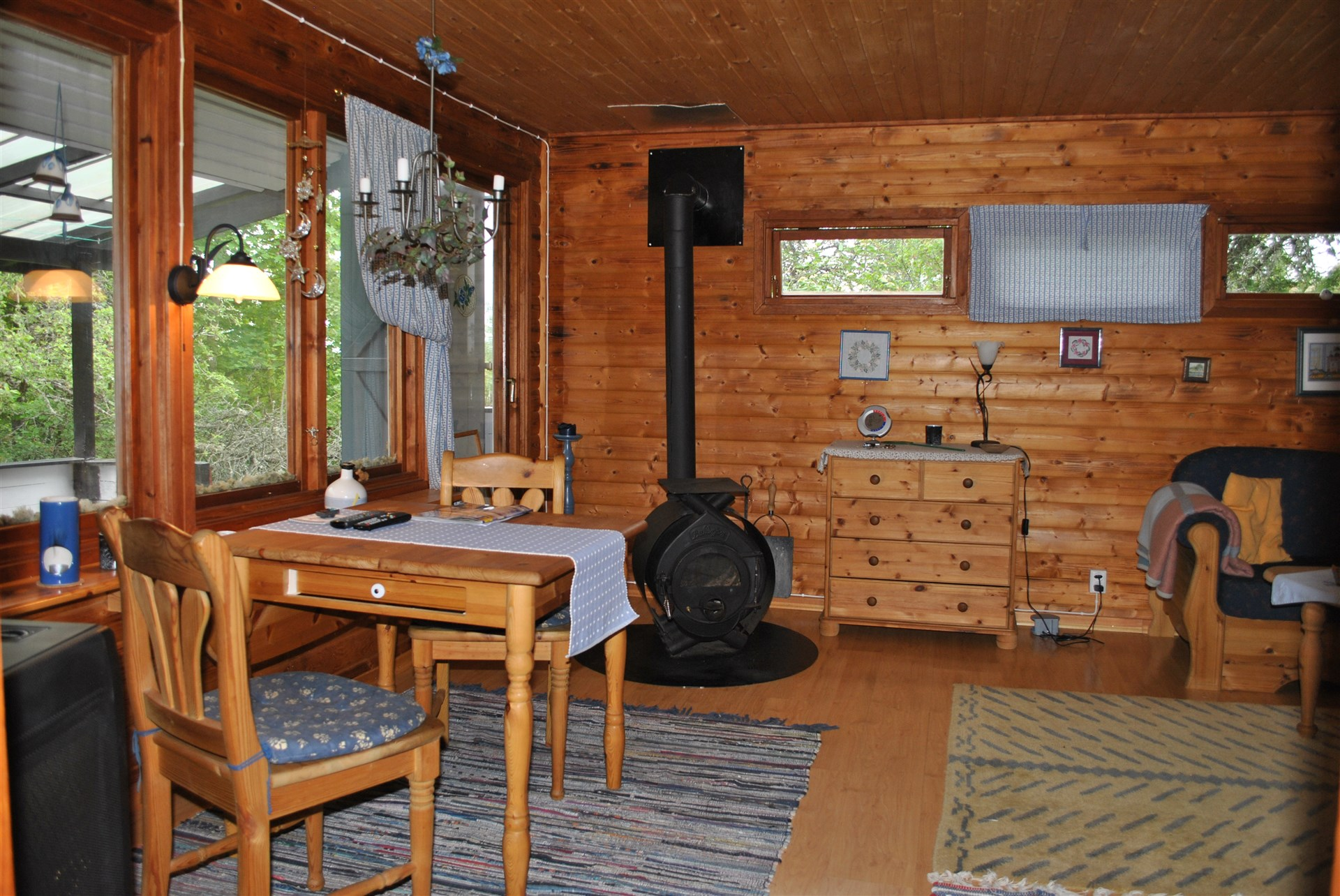 Vardagsrum med kamin