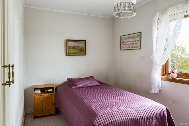 1 av 3 sovrum