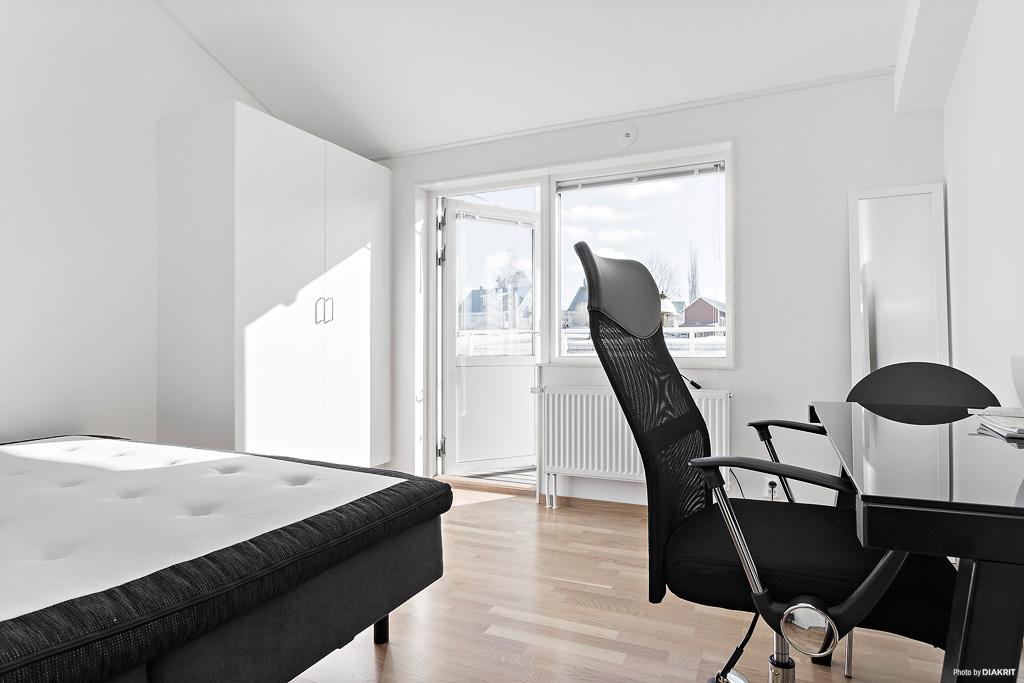 Sovrum 3, utgång balkong