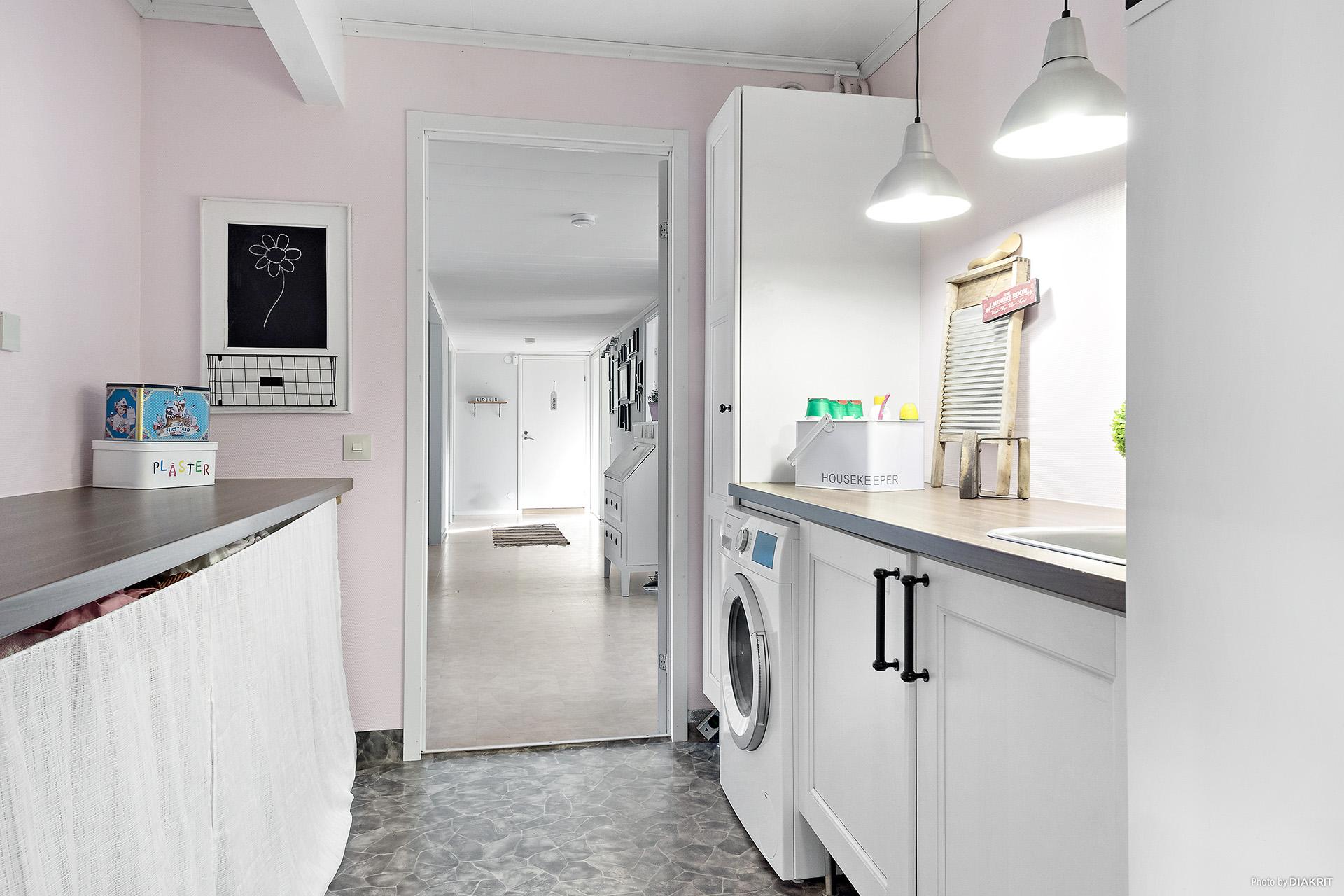 Nyrenoverad tvättstuga