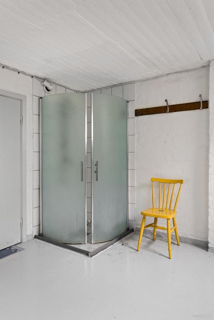 Dusch i källaren