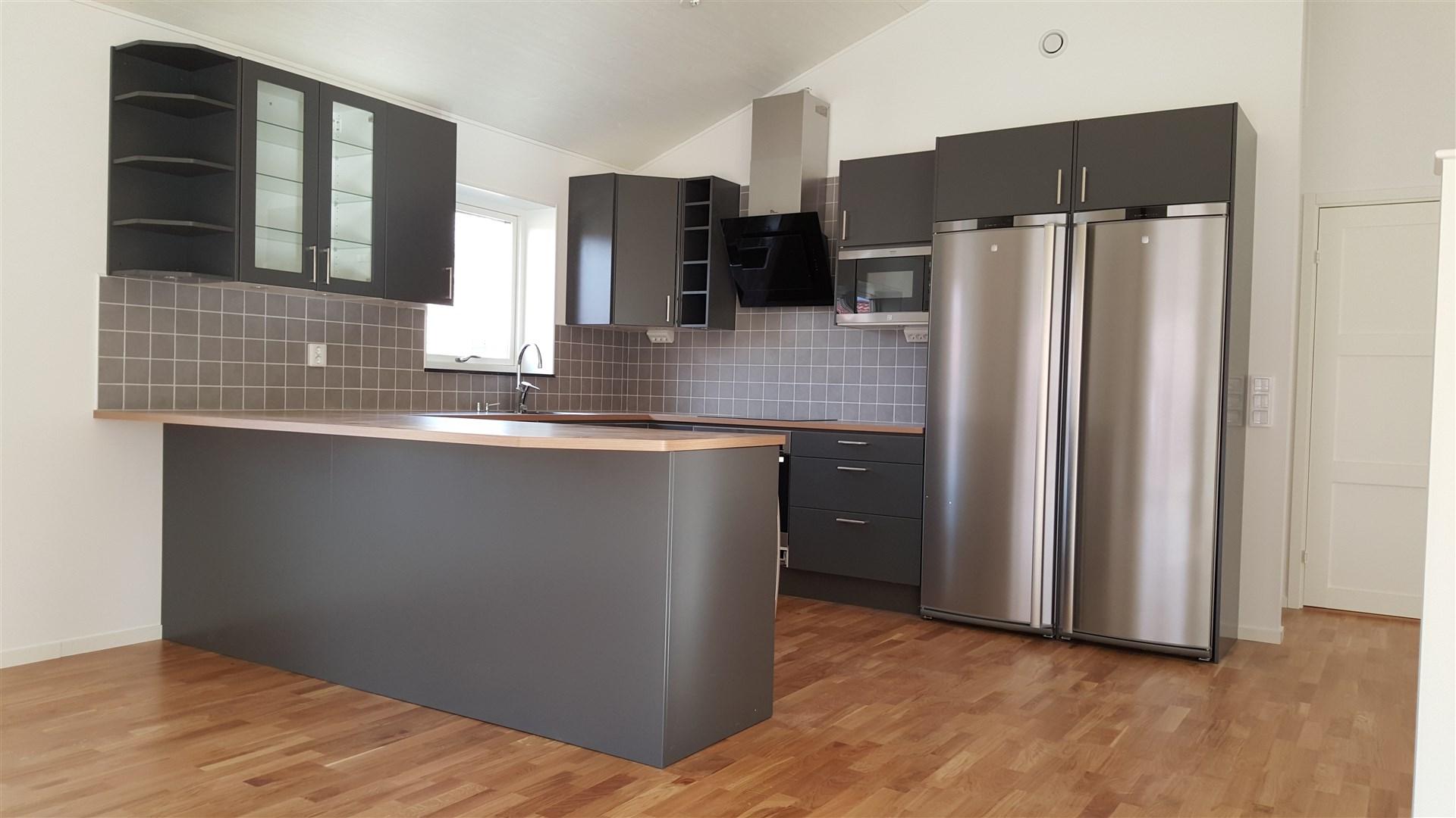 Exempel på alternativt kök som sattes in i andra huset som blev färdigställt.