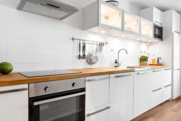 Köket renoverat 2015 med fina materialval.