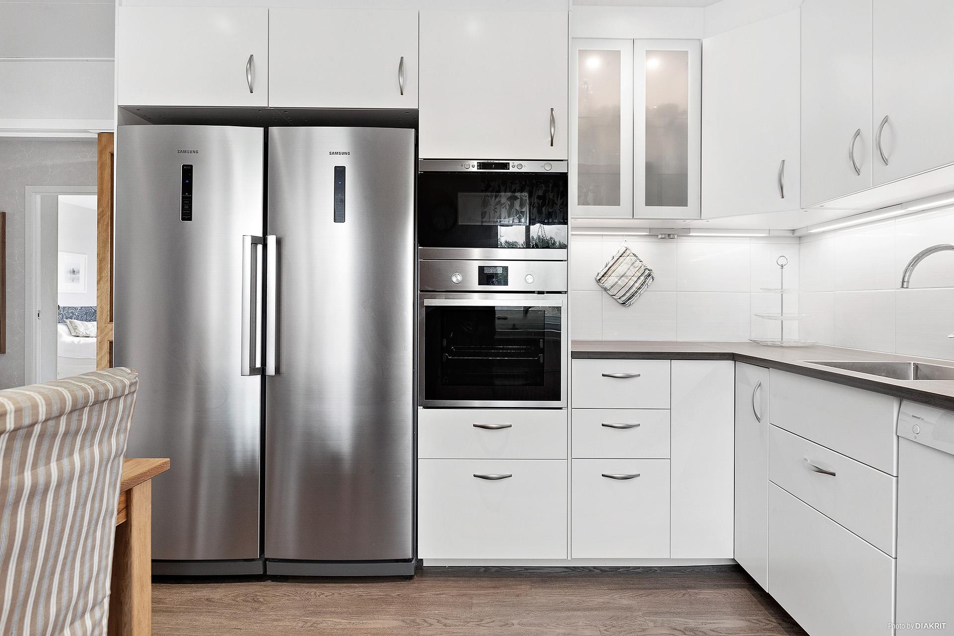 Kök (Ikea, 2015) med inbyggda vitvaror